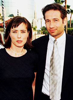 david-duchovny-tea-leoni-deep-impact-premiere-los-angeles-29–04–1998-small.png