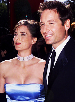 david-duchovny-tea-leoni-emmy-wards-13–09–1998-small.png