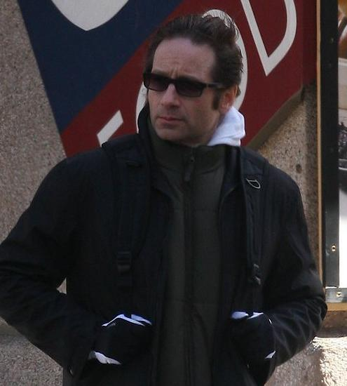 david_duchovny_new_york_13_03_2009_small.jpg