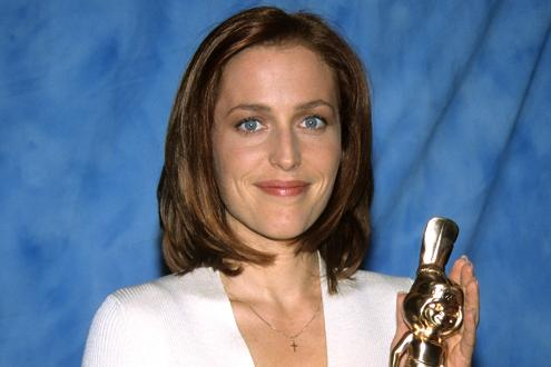 gillian-anderson-award-90s-small.jpg