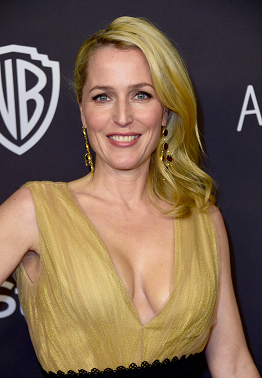 gillian-anderson-beverly-hills-10–01–2016–001.png