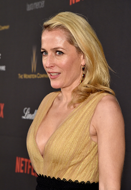 gillian-anderson-beverly-hills-10–01–2016–002.png