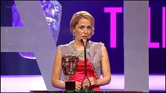 gillian-anderson-british-academy-television-awards-video-2011–004-small.jpg