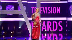 gillian-anderson-british-academy-television-awards-video-2011–006-small.jpg