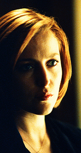 gillian-anderson-dana-scully-face-sixth-season-small.png