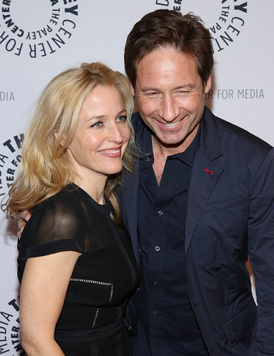 gillian-anderson-david-duchovny-new-york-city-13–10–2013–001-small.png