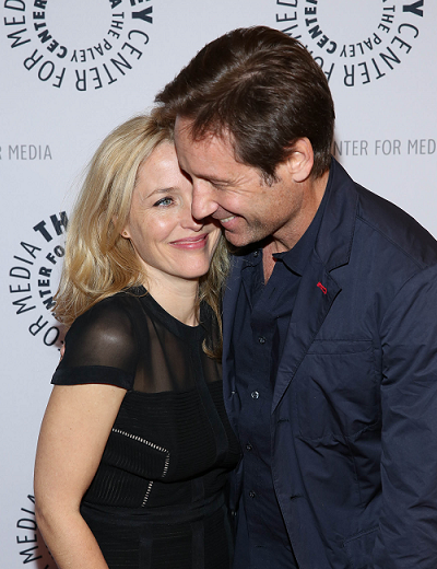 gillian-anderson-david-duchovny-new-york-city-13–10–2013–002-small.png