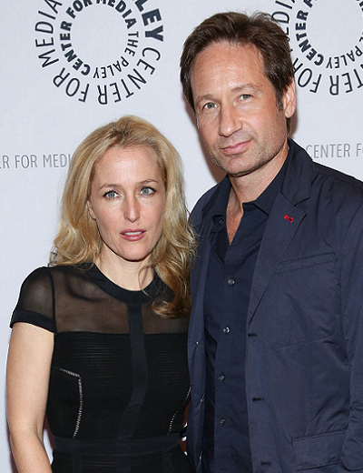 gillian-anderson-david-duchovny-new-york-city-13–10–2013–004-small.png