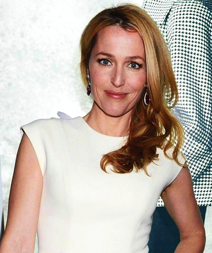 gillian-anderson-dior-london-15–03–2013–001-small.png