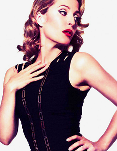 gillian-anderson-fault-magazine-fall-edition-2011–005-small.png