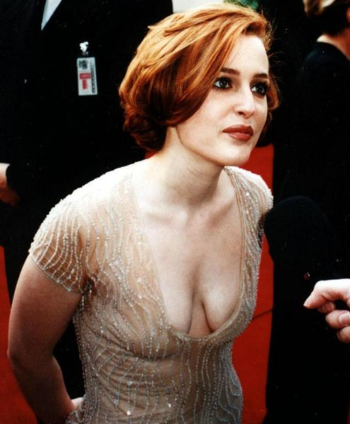 gillian-anderson-golden-globes-1997-small.jpg