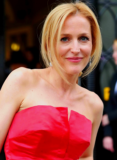 gillian-anderson-london-05072012001-small.png