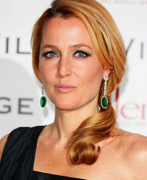 gillian-anderson-london-08–02–2013–001-smaller.png