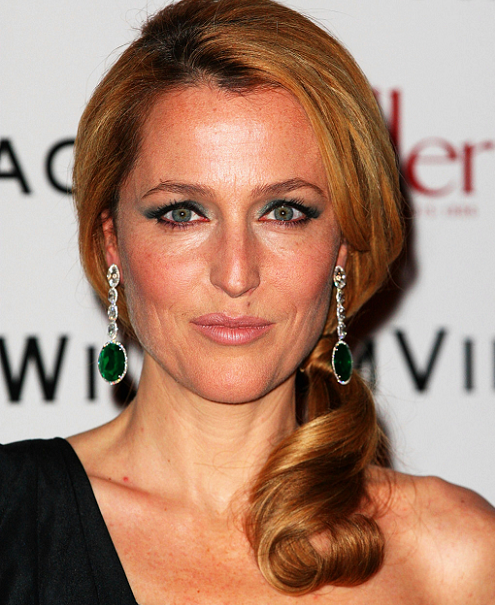gillian-anderson-london-08–02–2013-smaller.png