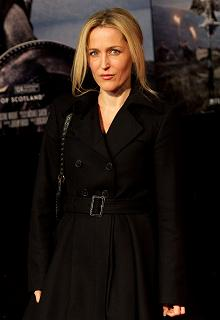 gillian-anderson-london-09–03–2011–006-small.jpg