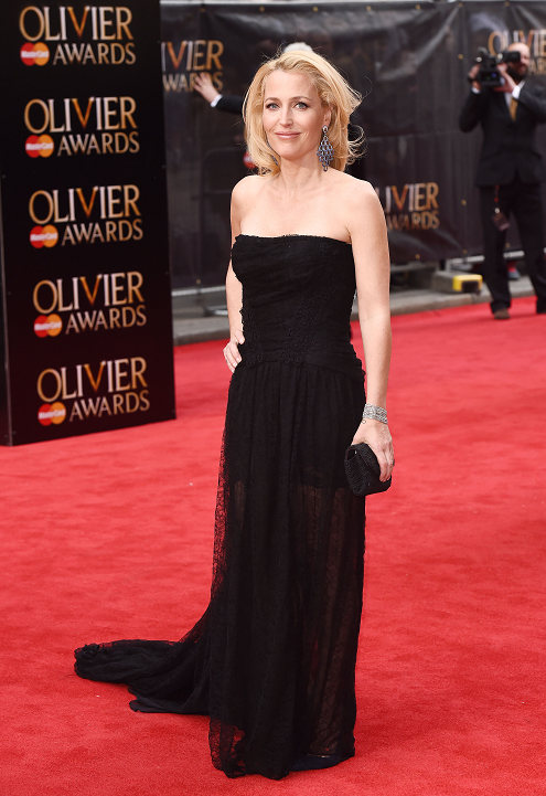 gillian-anderson-london-12–04–2015–003-small.png
