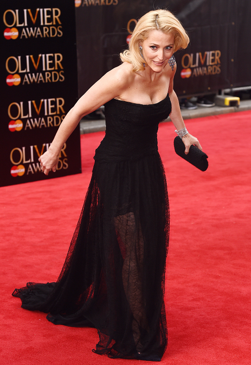 gillian-anderson-london-12–04–2015–004-small.png