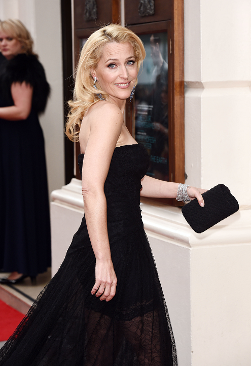 gillian-anderson-london-12–04–2015–005-small.png