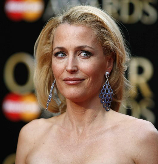 gillian-anderson-london-12–04–2015–008-small.png