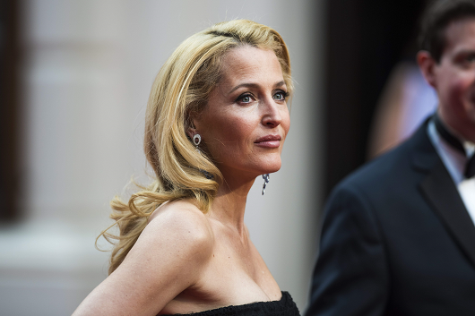 gillian-anderson-london-12–04–2015–010-small.png