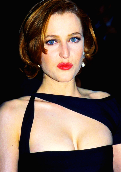 gillian-anderson-sag-awards-1997–001-small.png