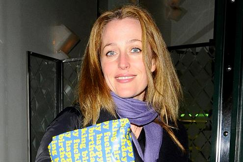 gillian_anderson_ivy_london_leden_2010.jpg