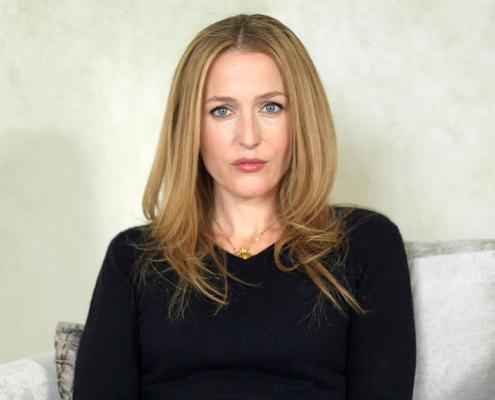 gillian_anderson_the_independent_magazine_portraits_2010_a_small.jpg