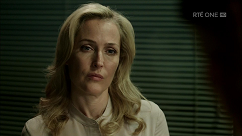 kultx-gillian-anderson-the-fall-201–003-small.png