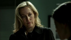 kultx-gillian-anderson-the-fall-201–009-small.png