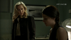 kultx-gillian-anderson-the-fall-201–010-small.png