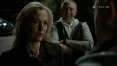 kultx-gillian-anderson-the-fall-201–013-small.png