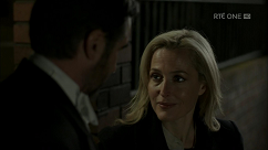 kultx-gillian-anderson-the-fall-201–014-small.png