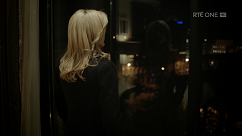 kultx-gillian-anderson-the-fall-201–017-small.png