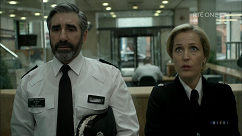 kultx-gillian-anderson-the-fall-201–020-small.png