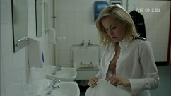 kultx-gillian-anderson-the-fall-201–025-small.png