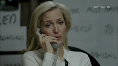 kultx-gillian-anderson-the-fall-201–027-small.png