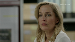 kultx-gillian-anderson-the-fall-201–030-small.png