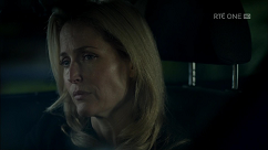 kultx-gillian-anderson-the-fall-201–033-small.png
