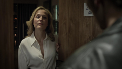 kultx-gillian-anderson-the-fall-2013–002-small.png
