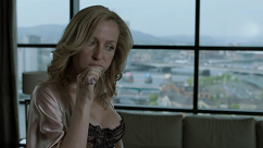 kultx-gillian-anderson-the-fall-2013–009-small.png