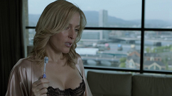 kultx-gillian-anderson-the-fall-2013–010-small.png