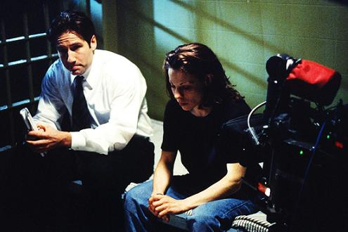 minds_eye_lili_taylor_david_duchovny_xfiles_small.jpg