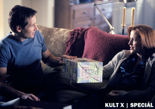 mulder_scully_xfiles_gifts.png