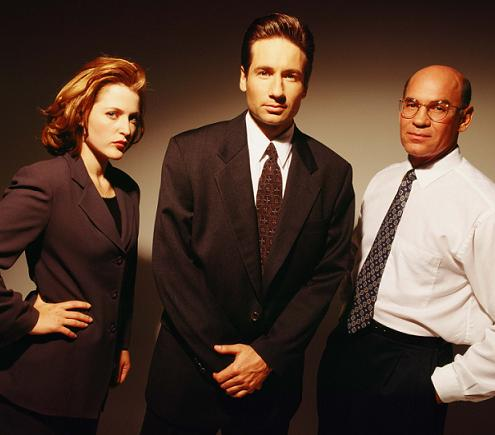 scully_mulder_skinner_gillian_david_mitch_xfiles_small.jpg
