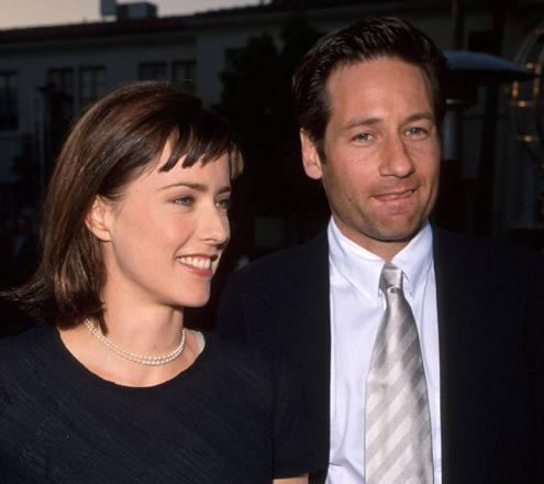 tea_leoni_david_duchovny_time_pictures_small.jpg
