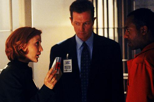 xfiles-eighth-season-set-003-small.jpg