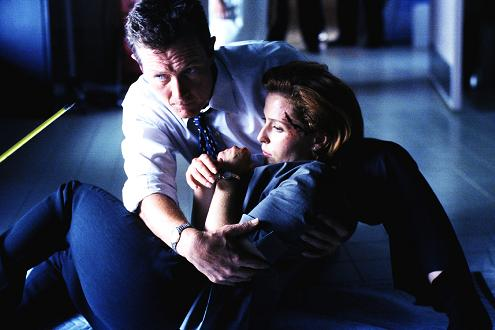 xfiles-eighth-season-set-004-small.jpg