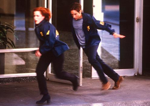 xfiles-first-movie-promo-001-small.jpg