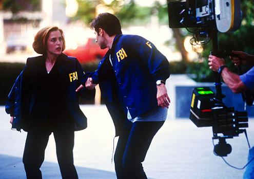 xfiles-first-movie-promo-002-small.jpg
