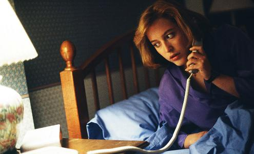 xfiles-first-season-gillian-anderson-small.jpg